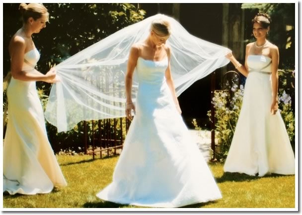 Outdoor Country Wedding, Bride and Bridesmaids